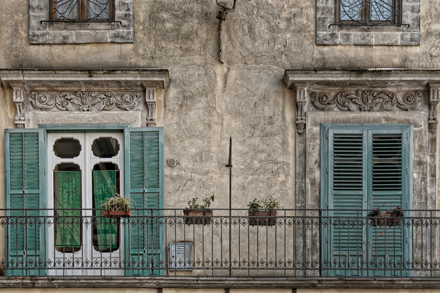 Aperti e Chiusi (Open and Closed) | Turquoise Shutters on a Sicilian Balcony | Modica | Sicily | Italy
