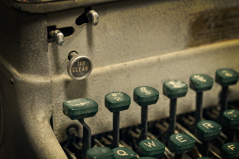 Tab Clear | Antique Typewriter Keys