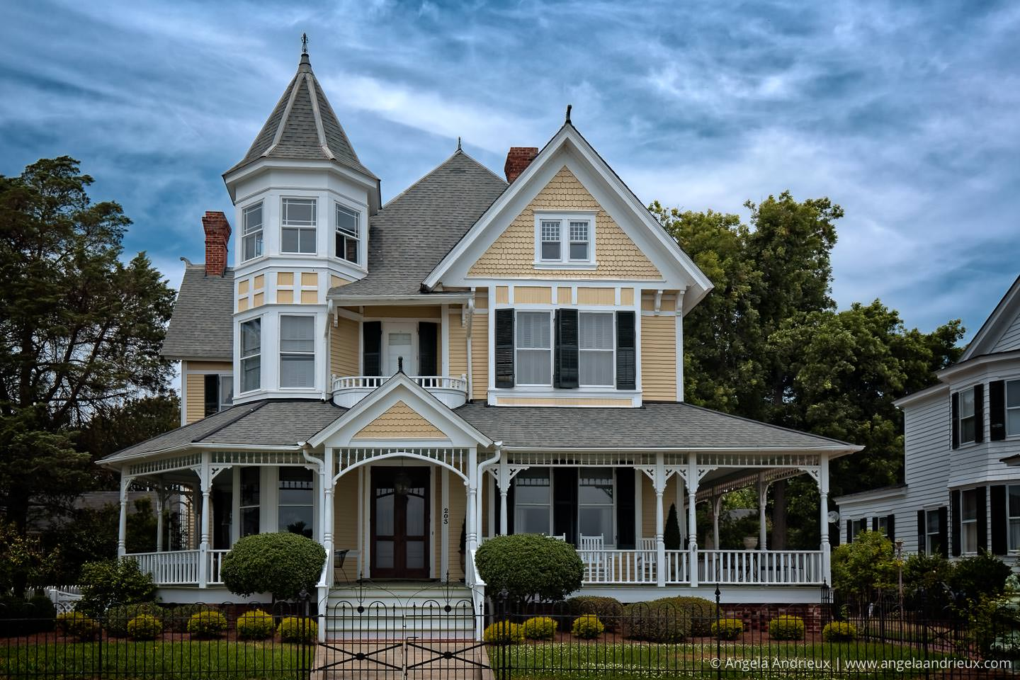 Yellow Victorian Mansion | Edenton | North Carolina