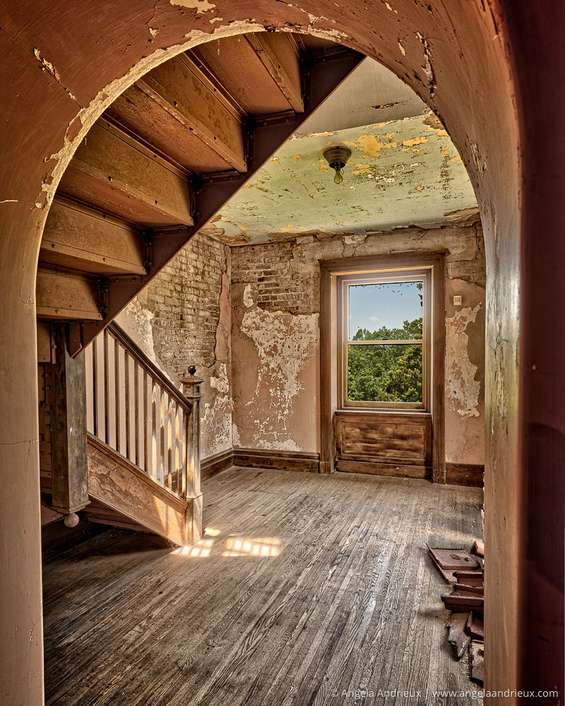 Peering Back in Time | Abandoned Swannanoa Palace | Afton | Virginia